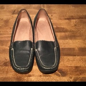 Navy Naturalizer flat loafers size 8 1/2m